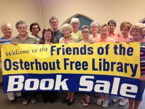 2016-friends-book-sale-volunteers